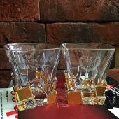 Пара хрустальных стаканов для виски  Пара хрустальных стаканов для виски