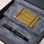 Набор в подарочной коробке визитница и ручка Parker c гравировкой Гриф